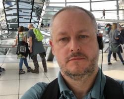 ... ten niemiecki jest niemodny? - wywiad z Panem Szymonem nauczycielem j. niemieckiego