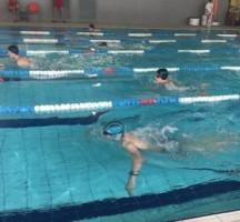 Zawody pływackie gimnazjalistów